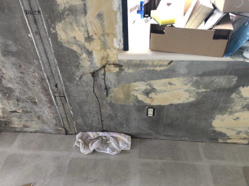 壁から雨漏り