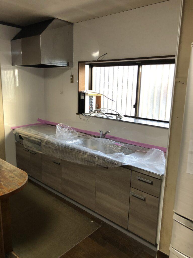 緊急工事も済み新しいキッチンになりました
